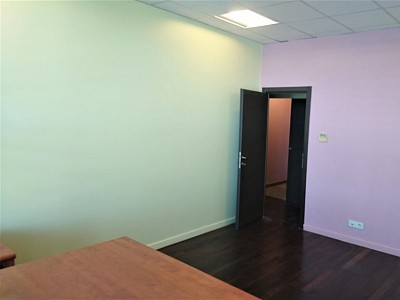 LOCAL MEDICAL A VENDRE - FREJUS - 33,6 m2 - 162 000 €