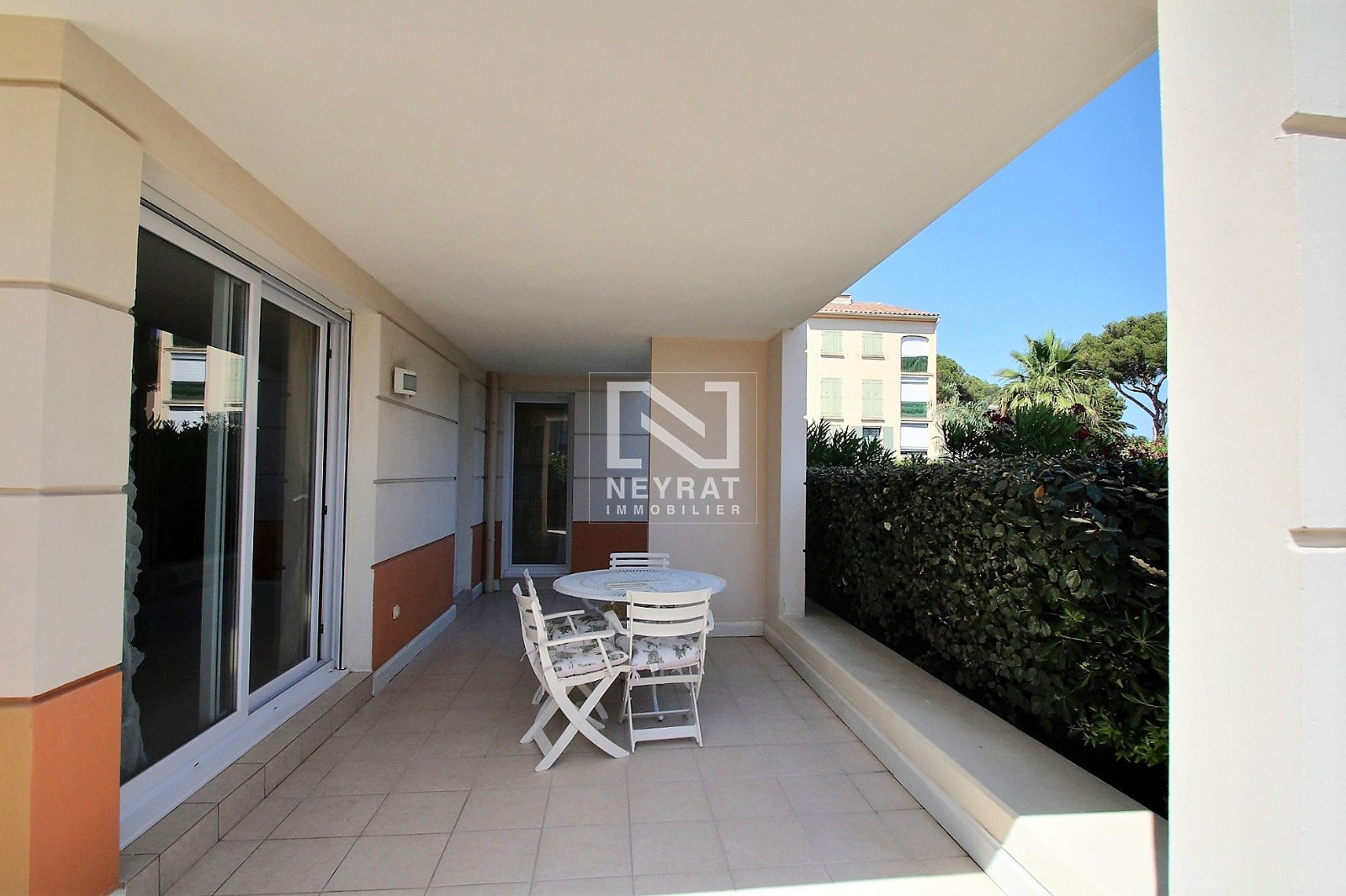 APPARTEMENT T4 A VENDRE - ST AYGULF - 98,9 m2 - 539 000 €